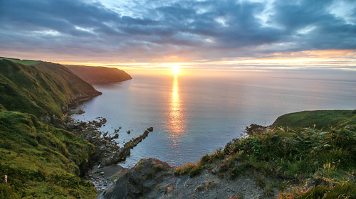 andygocher canon100d canon1018mm wales europe uk pembrokeshire coastalpath coast coastline sea seascape sunset clouds