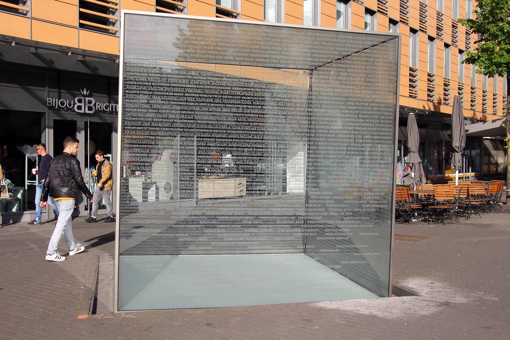 Mannheim Glaskubus Quadrate Planken Memorial For The J Flickr
