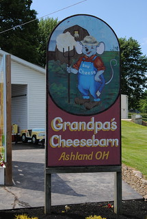 Grandpa's Cheesebarn, Ashland, Ohio | by rowlandweb