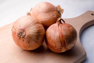 Onions on Wood | by wuestenigel
