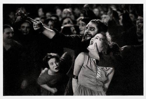 Heinrich George and Brigitte Helm in Metropolis (1926)
