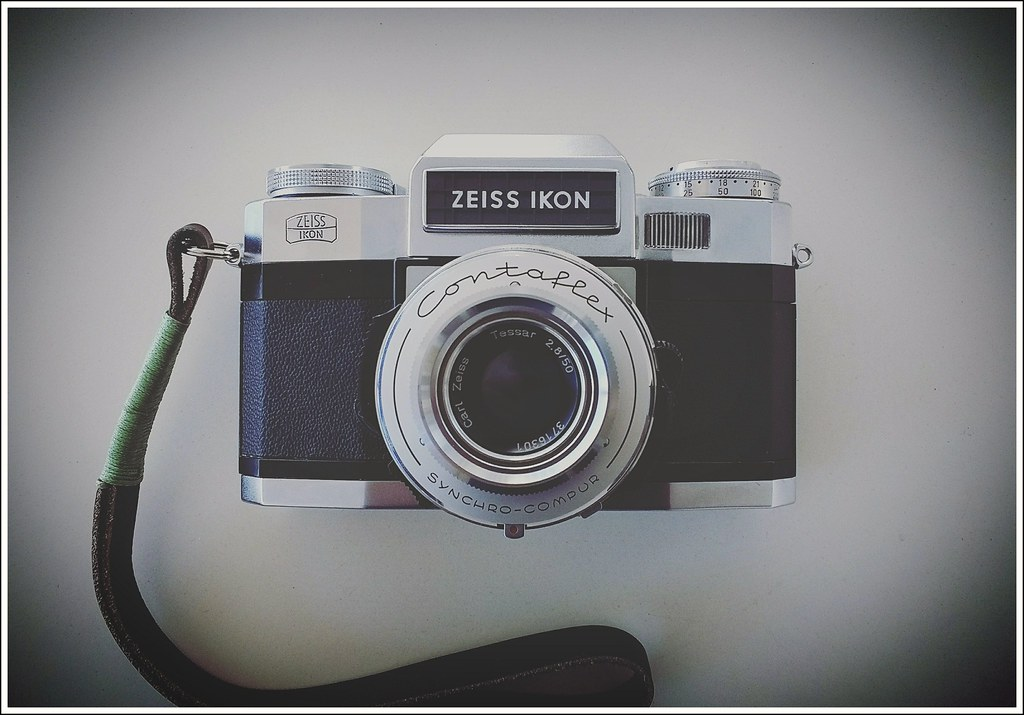 Zeiss Ikon Contaflex Super B | So many interesting things to