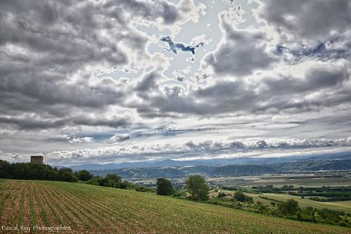 valléedurhône rhônealpes rhônevalley drôme drômedescollines landschaft landscapes paysages paysagesvalléedurhône tourdalbon torrealba ciel cielo cielos cieux sky skies nuages clouds