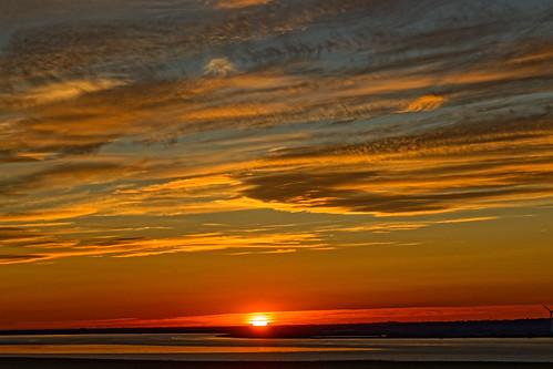 sunset calm halcyon estuary humber humberside humberestuary canoneos1dxmkll cloudsstormssunsetssunrises sun sunlight dusk goldenhour fire atomspheric skyscape northlincolnshire southbank