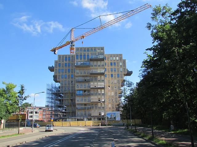 """Oostereind Hilversum bouw flat """"de wrat"""" juli 2017."""