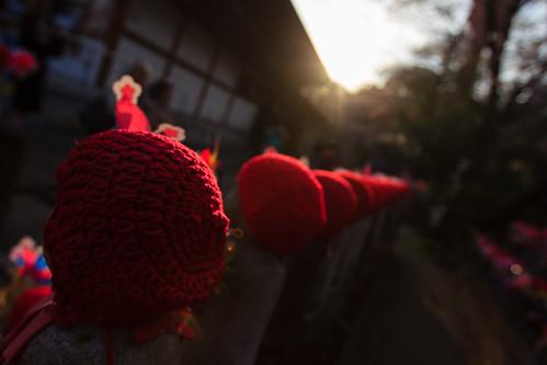 japon japan asia asie stephanexpose tokyo jizo zojoji temple statue shrine coucherdesoleil sunset sun soleil rouge canon 600d 1635mm 1635mmf28liiusm