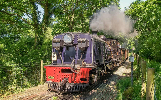 Welsh Steam Train Screams Past At 18 Mph