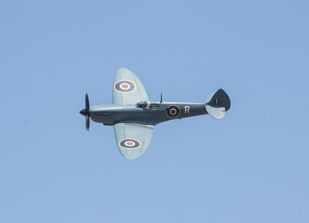 EGLK - Supermarine Spitfire PR Mk XI - PL965 / G-MKXI