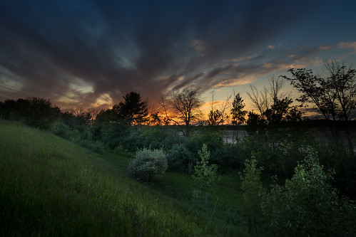 canoneos5dmarkiv sunset atardecer hill overthehill canon iv michigan sol clouds nubes trees mi midmichigan midland downhill sight specatular rokinon 14mm wideangle summer verano
