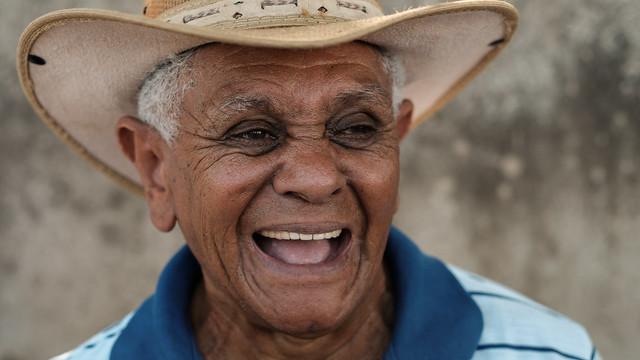 Governador lança pavimentação e entrega maquinários em Guiratinga