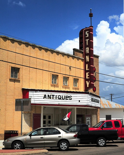 Stanley Theater - Luling,Texas