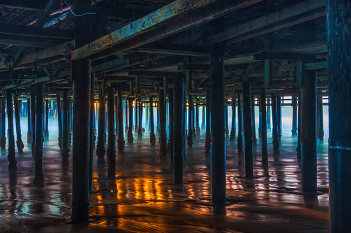 santamonicapier santamonica pier sunset reflections pilings longexposure sand wet pacificocean wood california light waves beach 6523 richgreenephotography shadows