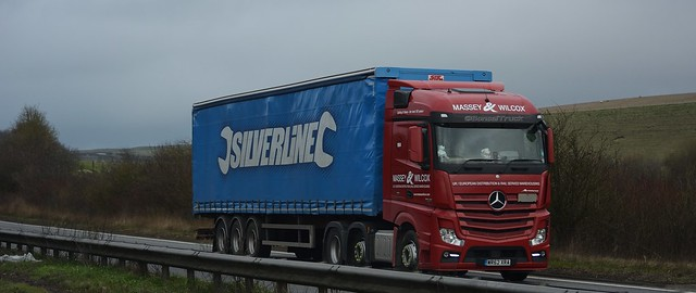 GB - Massey & Wilcox >Silverline< MB New Actros Streamspace