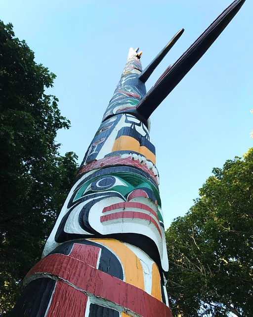 Carved by Mungo Martin, David Martin, and Henry Hunt and dedicated 2 July, 1956, this pole soars into the sky at just over 127 feet tall. Its home is nestled among the trees of Victoria's Beacon Hill Park, overlooking the Pacific Ocean. 🌊 #YYJ
