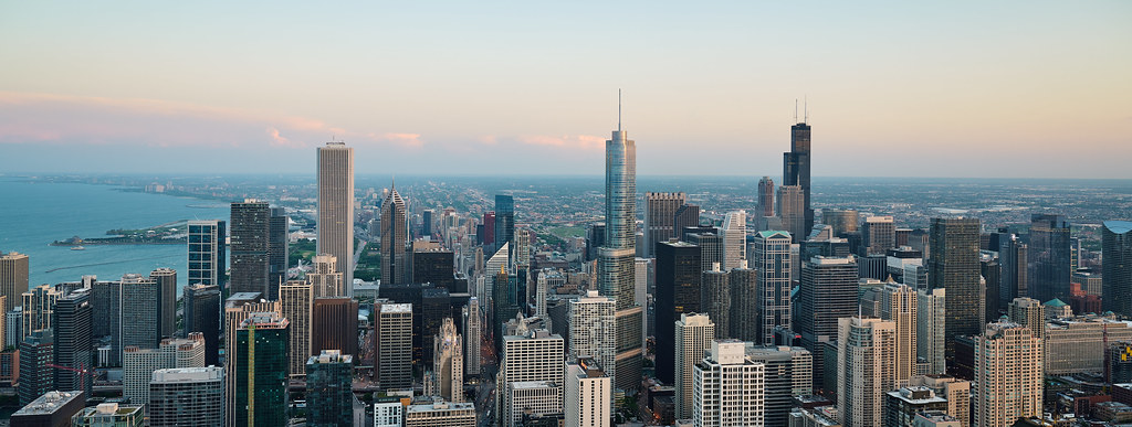 4 POPULAR PLACES TO VISIT IN CHICAGO