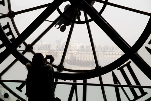 Musee D'Orsay Silhouette   by holl7510
