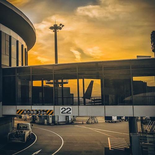 sunset naritaairport airport chiba japan rjaa narita