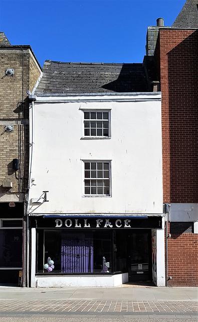 Gloucester - Dollface beauty parlour