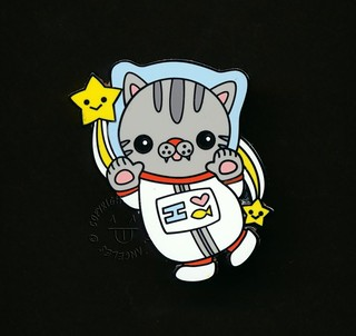 Polydactyl Space Cat Pin Gray Face by Flat Bonnie