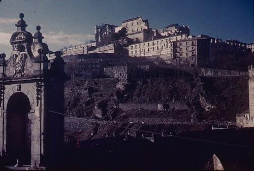 Alcázar de Toledo en los años 50, aún destruido. Fotografía de Nicolás Muller  © Archivo Regional de la Comunidad de Madrid, fondo fotográfico