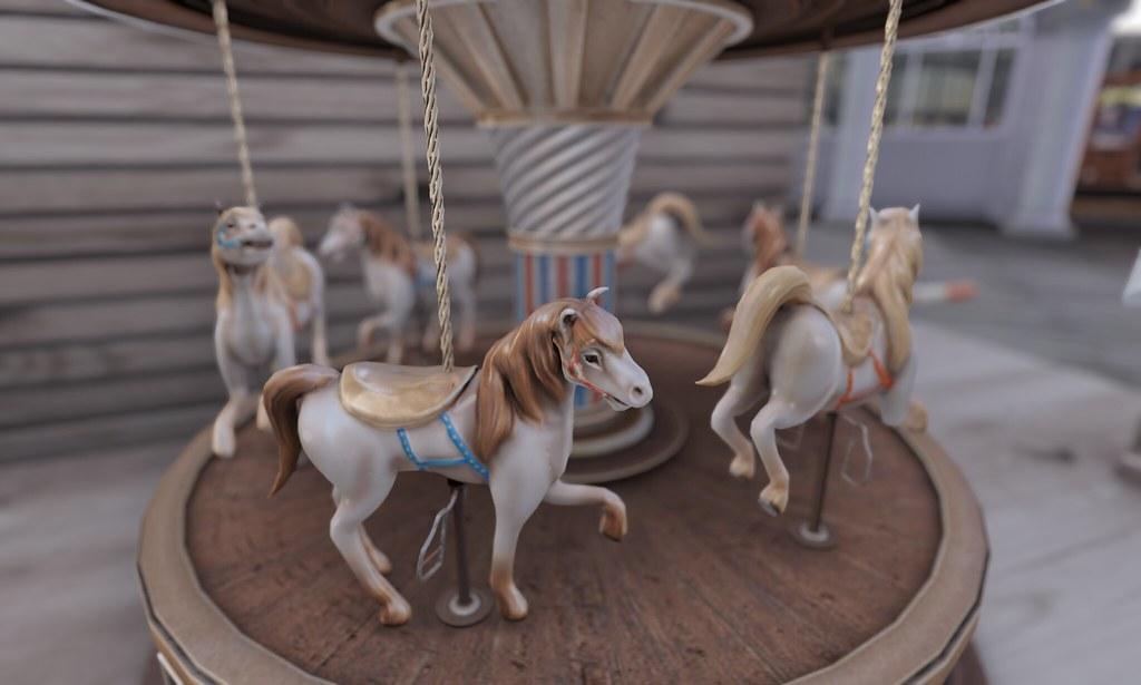 Charmant ... The Arcade   Tabletop Carousel Souvenir | By ··· TORLEY ···