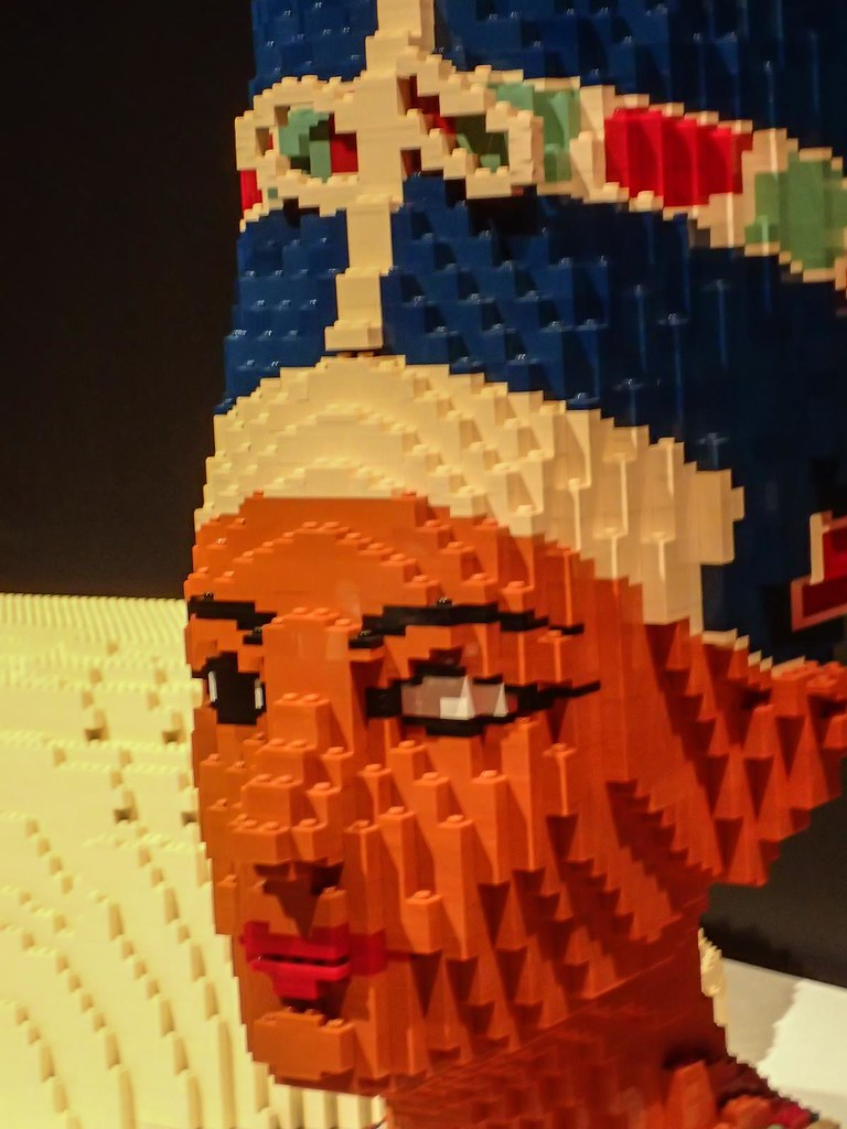 Closeup of the head of Egyptian Queen Nefertiti by Lego ar