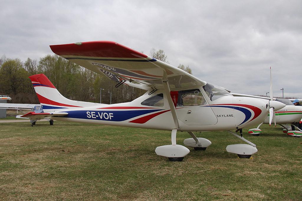 SE-VOF Airlony Skylane at Köping ESVQ