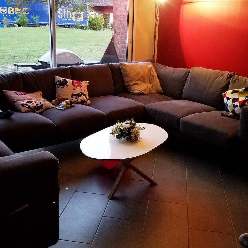 #HappyCustomer . Notre table basse MAHAI a parfaitement trouvé sa place dans ce beau salon ! Merci Amandine pour la photo 🙏 . Our living table MAHAI perfectly fits in its new home 😃 . Have a (w)ood day 😊 . . #mahai #tablebasse #woodworki