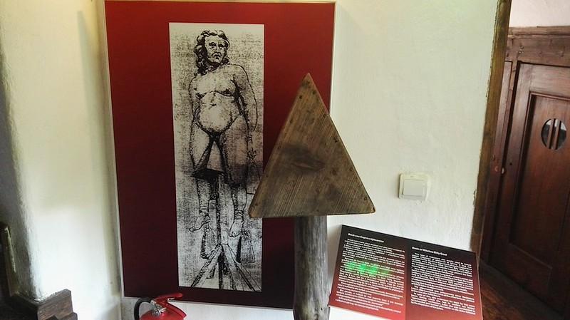 Torture_Room-10