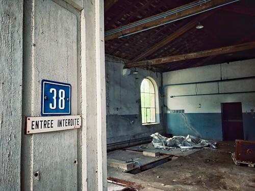 n° 38 > entrée interdite                                                           #joscorreiaphotography #joscorreia #artist #joco #buyart #loveart #supportart #kockelscheuer #building #Poudrerie #architexture #abandoned #lostcity #urban #old #industrie | by JoCo...