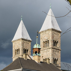 Viborg Cathedral with Skovgaard Museum in front