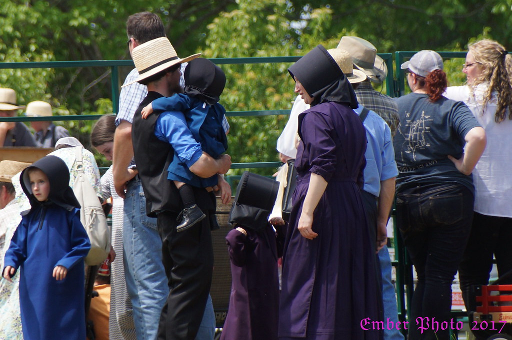 2017-06-10_Amish Family | A Swartzentruber Amish family atte