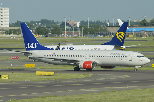 Scandinavian Airlines Boeing 737-800; LN-RCX@AMS;02.06.2017 | by Aero Icarus