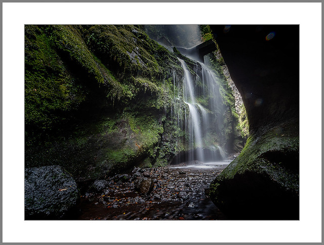 Wasserfall im Lorbeerwald (Waterfall in the laurel forest)