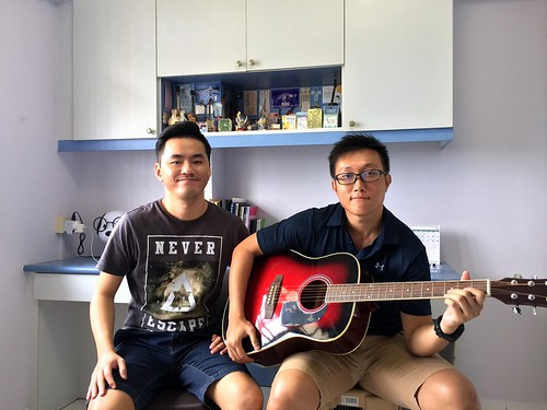 Private guitar lessons Singapore Leon