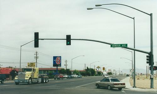 kingman arizona usa road highway 66 route66 street streetlighting streetlights lamppost lampposts trafficlights motel motel6 stripmall 400views 500views 600 views 600views