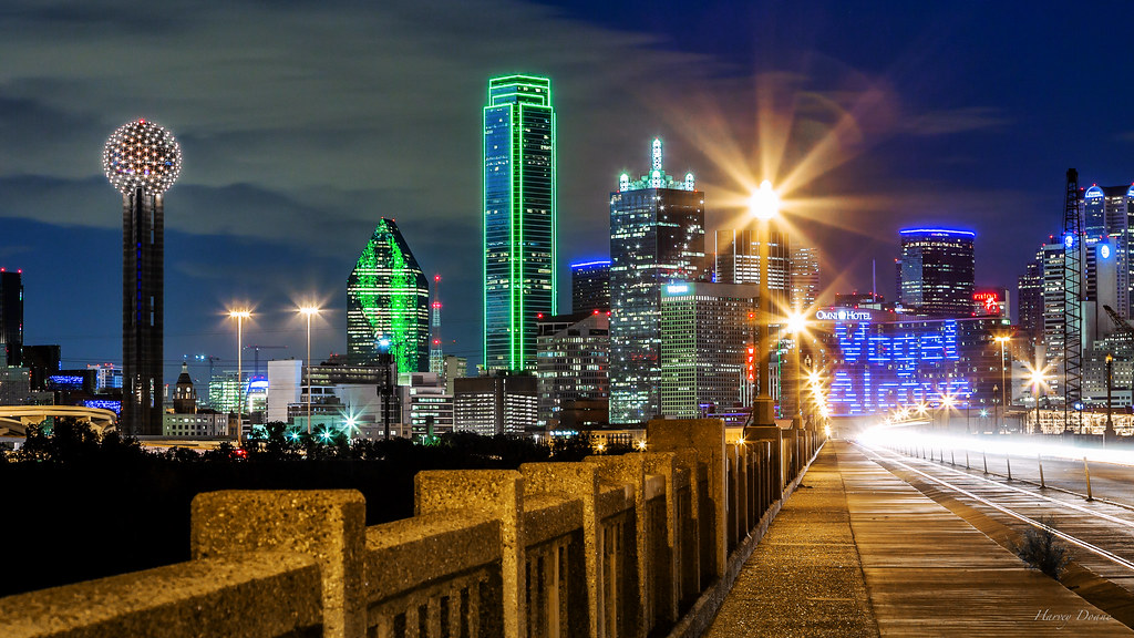 Dallas City Lights | The night skyline of Dallas is ...