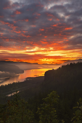 landscape columbiaorge sunrise couds colors oregon