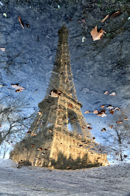 La Tour Eiffel immergée // The flooded Eiffel Tower