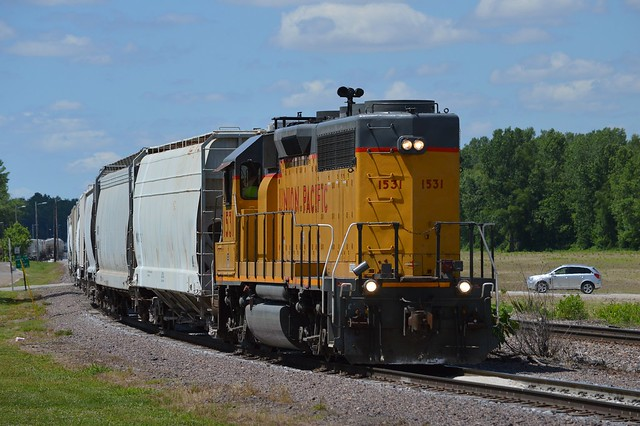The afternoon swap, UP 1531 heads for Mississippi Lime to swap empties for loads, Ste. Genevieve Missouri