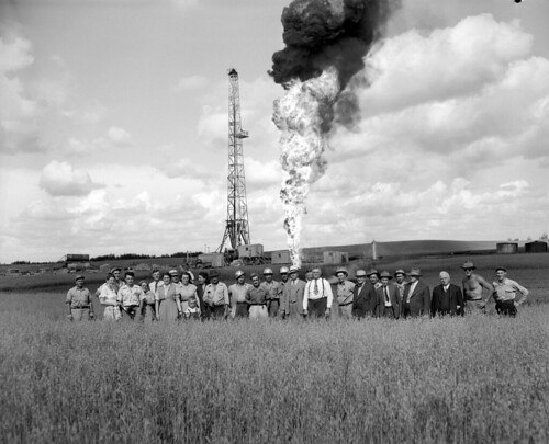 Continental no. 9 oil well at Woodbend, Alberta | by Provincial Archives of Alberta