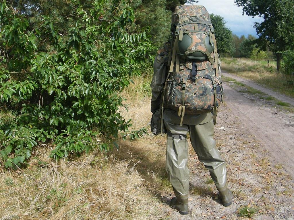 Patrol wearing the Zodiak ABC-Schutzanzug / CBRN suit | Flickr