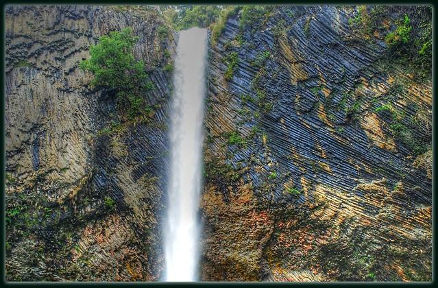 Wairēinga/Bridal Veil Falls.