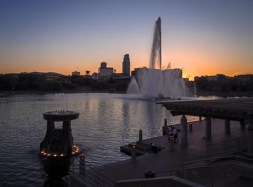 twilight heartlandofamericapark riverfront omaha