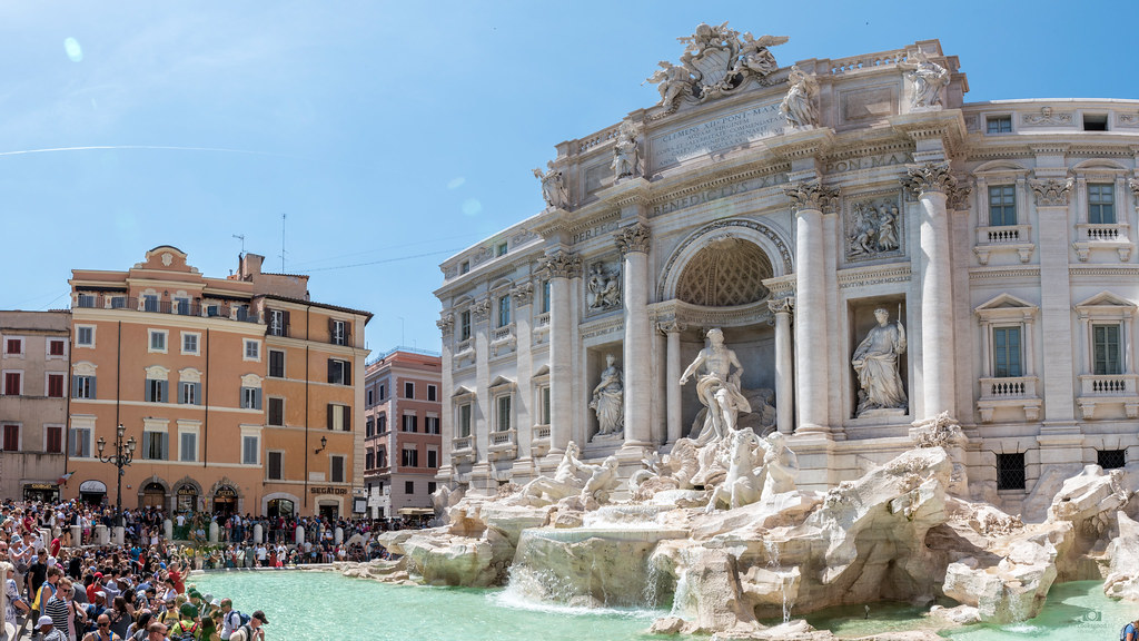 ... Trevi Fountain Rome - Italy 4K Wallpaper / Desktop Background | by Loek Janssen