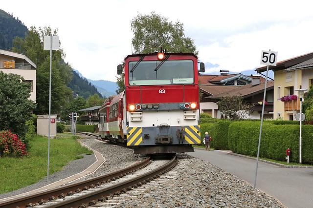 83 narrow-gague locomotive