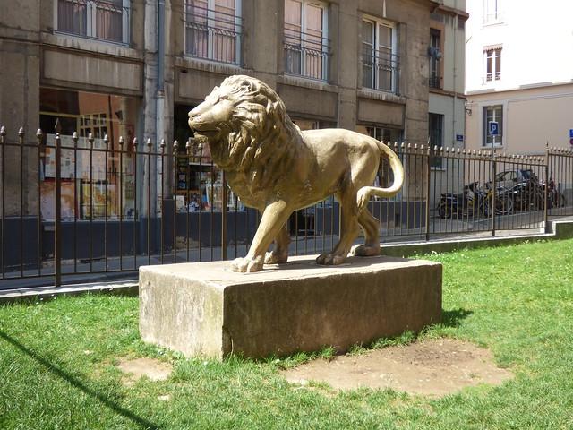 Place de la Basoche, Vieux Lyon - lion statue