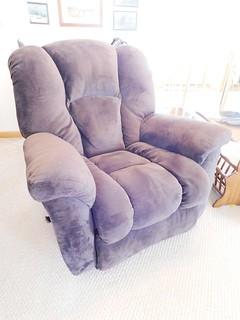 Oversize rocker/recliner | by thornhill3