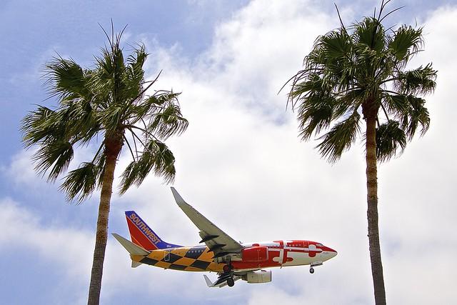 LAX/KLAX: Southwest Boeing B737-7H4