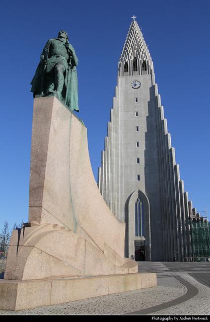 Hallgrímskirkja & Leifur Eríksson Statue, Reykjavík, Iceland